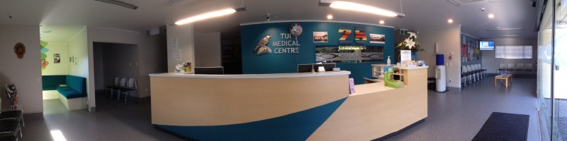 The Tui Medical Centre was established in 1990 by Vasantha and Geir Bjornholdt .